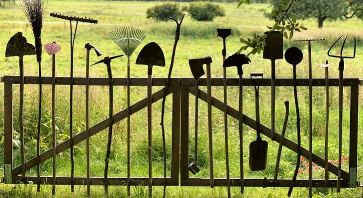 ötletek kerti szerszámaid tárolására