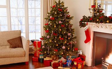 Karácsonyfa állítása